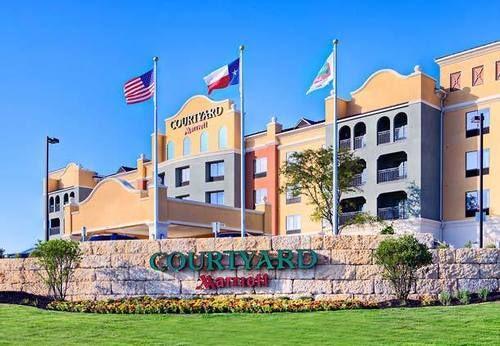 Outside view of Courtyard by Marriott San Antonio SeaWorld Westover Hills in San Antonio.   Week in San Antonio, Texas