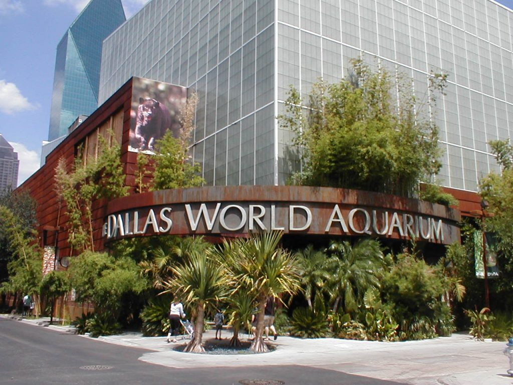 Outside view of the Dallas World Aquarium in Dallas.| Weekend in Dallas with Kids
