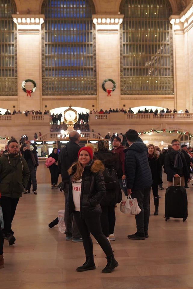 People walking around the Grand Central Station.   New York City