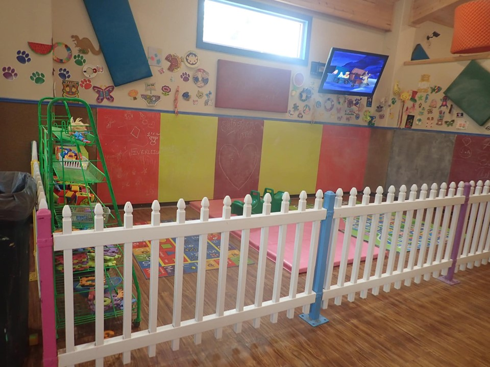 Indoor play area for toddlers and babies at Jellystone in Texas.   Jellystone Park in Waller, Texas