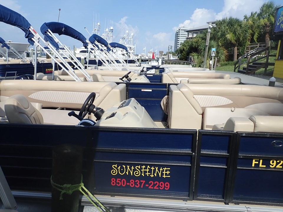 Pontoons at Sunshine Rentals in Destin.   Destin, Florida with the Kids