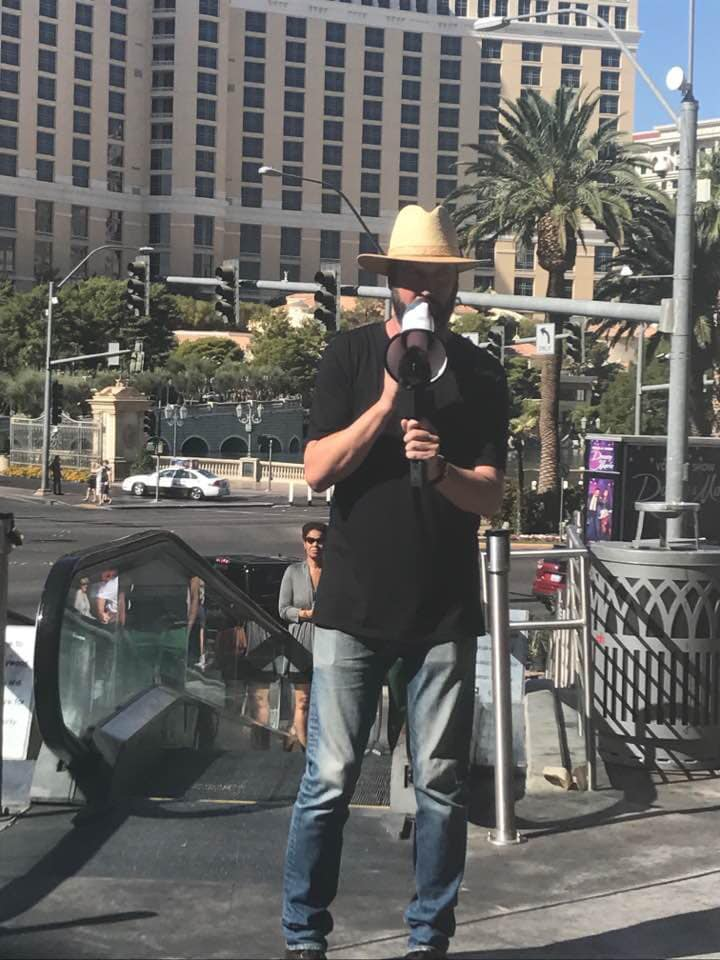 Tom Green promoting his comedy show on strip. | Las Vegas- A Guide to Vegas